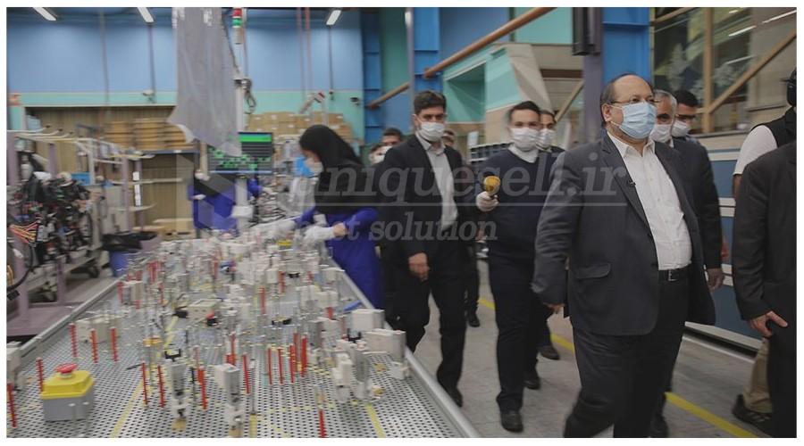 بازدید وزیر کار و رفاه اجتماعی از خطوط تولید قطعات خودرو شرکت صنایع تولیدی کروز